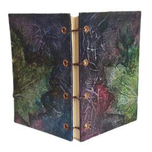 Buch A6 Blätter dunkel